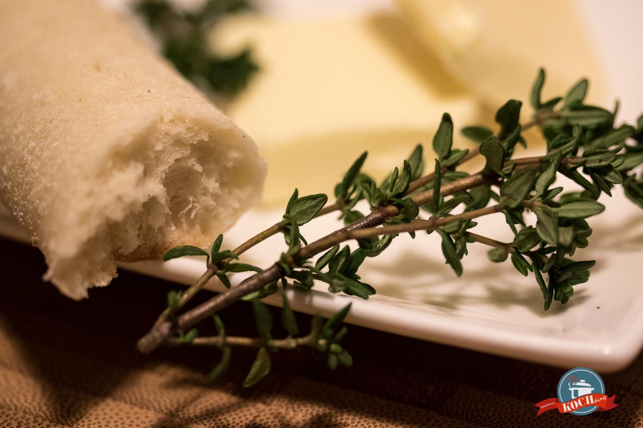 Pastinaken Cremesuppe mit Thymiancroutons